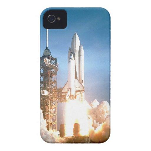 Transbordador espacial Columbia que lanza a la met iPhone 4 Case-Mate Cobertura