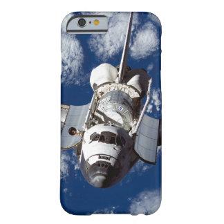 Transbordador espacial en órbita funda de iPhone 6 barely there