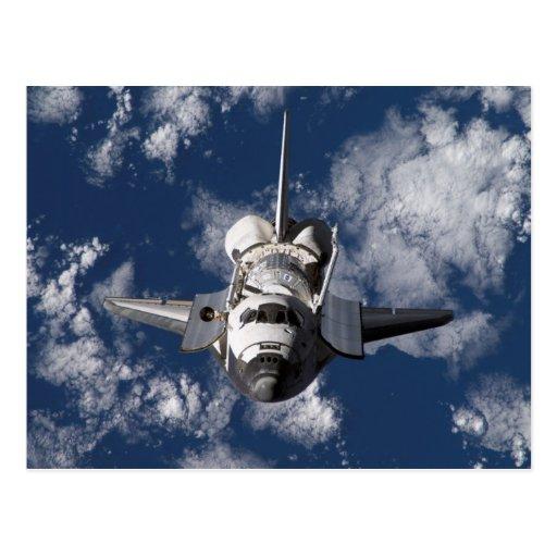 Transbordador espacial en tierra que está en postales