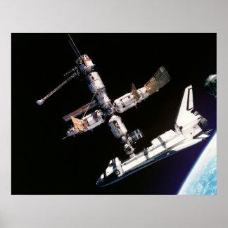 Transbordador espacial la Atlántida y ISS Impresiones
