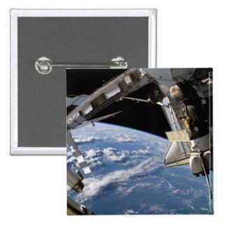 Transbordador espacial la Atlántida y una nave esp Pins