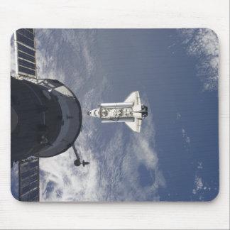 Transbordador espacial la Atlántida y una nave esp Tapete De Ratones