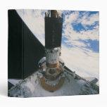 Transbordador espacial que lanza el satélite