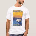 Transbordador y montañas - isla de Bainbridge, WA Playera