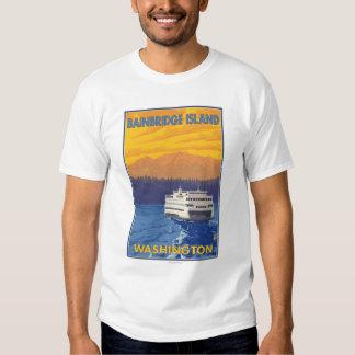 Transbordador y montañas - isla de Bainbridge, WA Remera