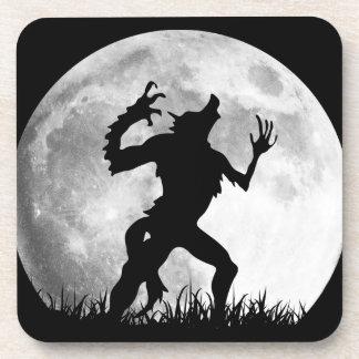 Transformación de la Luna Llena del hombre lobo de Posavasos