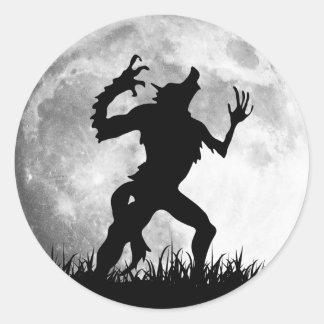 Transformación de la Luna Llena del hombre lobo Pegatina Redonda