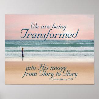 Transformado en su biblia de la imagen, chica en póster