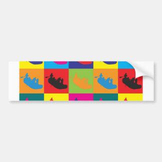 Transportar arte pop en balsa etiqueta de parachoque