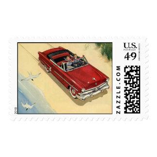 Transporte del vintage, coche convertible rojo sellos