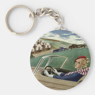 Transporte del vintage, señora en coche llavero redondo tipo pin