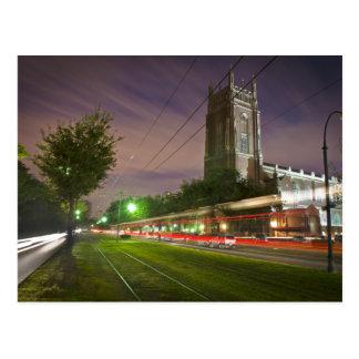 Tranvía de la avenida de St Charles en la noche Postales