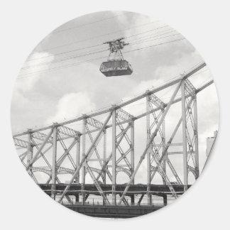 Tranvía de la isla de Roosevelt, NYC, foto análoga Pegatina Redonda