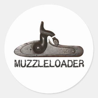 Trasero y martillo, rifle de Muzzleloader del Pegatina Redonda