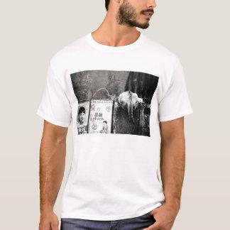 Trash and cat T-Shirt