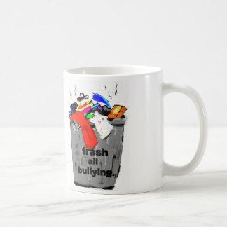 Trash todo el mug que tiraniza tazas de café
