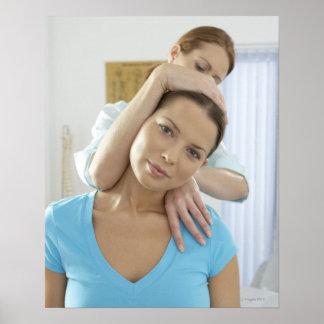 Tratamiento de la quiropráctica. El tratar del Chi Póster