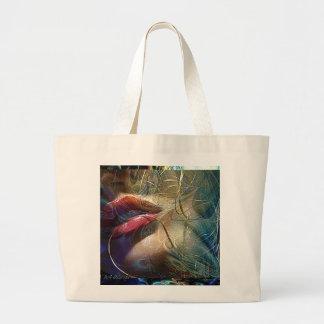 Trate la bolsa de asas del beso con suavidad