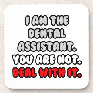 Trato con él… ayudante de dentista divertido posavasos