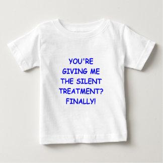 trato de silencio camisetas