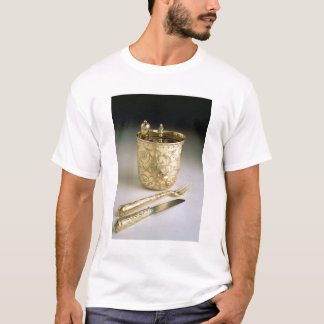 Travelling set of a knife, fork, spoon and beaker, T-Shirt