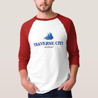 Traverse City, Michigan Basic 3/4 Sleeve Raglan T-Shirt