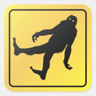 Travesía de Bigfoot Pegatina Cuadrada