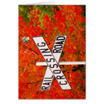 Travesía de ferrocarril del otoño tarjetas
