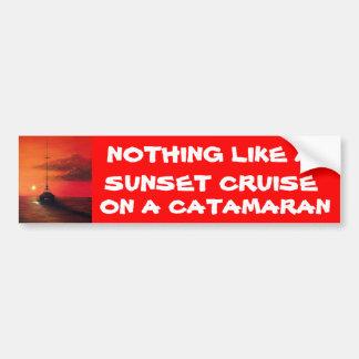 Travesía de la puesta del sol en un catamarán pegatina para auto