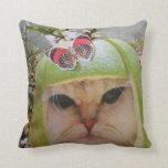 Travesía del gato almohadas