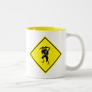 Travesía del insecto taza de café de dos colores