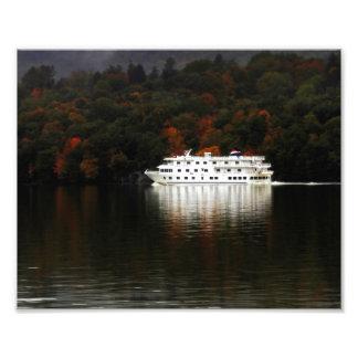 Travesía del río del otoño impresiones fotograficas