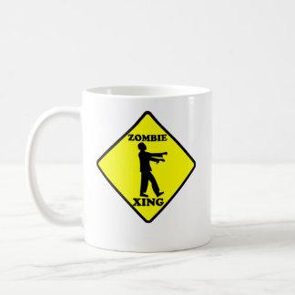 Travesía del zombi tazas de café