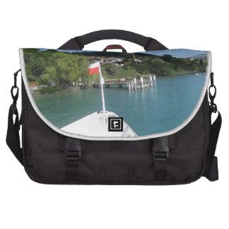 Travesía en el lago Thun en Suiza Bolsas Para Ordenador