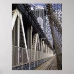 Trayectoria de la bici del puente de Manhattan Posters
