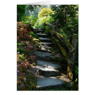 Trayectoria encantada del jardín felicitaciones