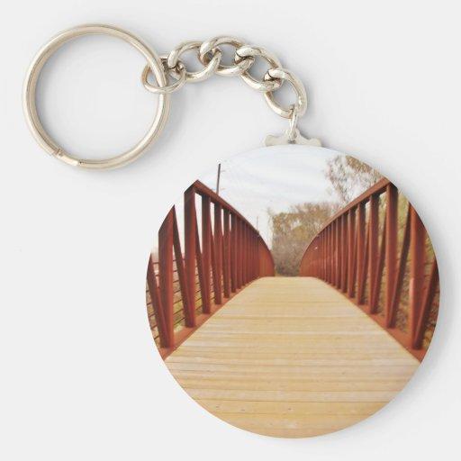 Trayectoria roja del puente llavero
