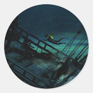 Treasure hunter classic round sticker