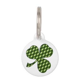 Trébol afortunado en tela escocesa verde del placa de mascota