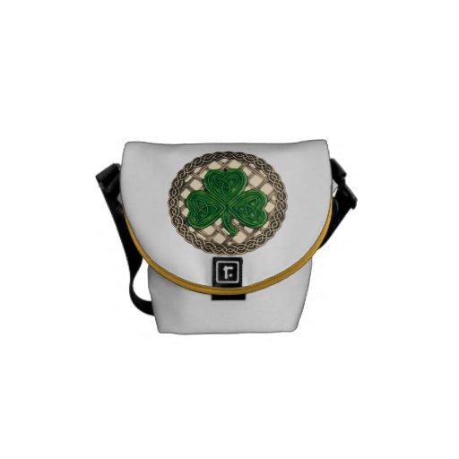 Trébol beige y bolsa de mensajero de los nudos del bolsas messenger