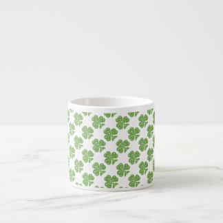 Trébol céltico del verde del nudo taza espresso