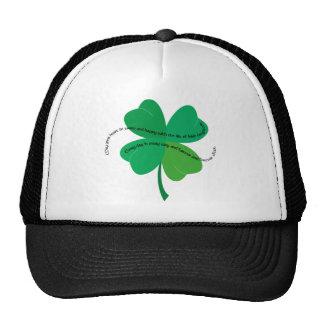 Trébol con la tostada irlandesa gorras