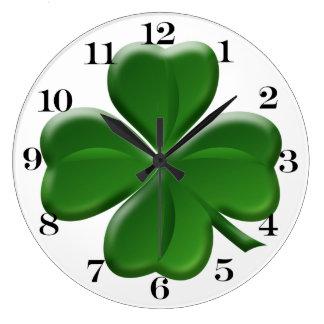Trébol de cuatro hojas - botón del día de St Reloj Redondo Grande