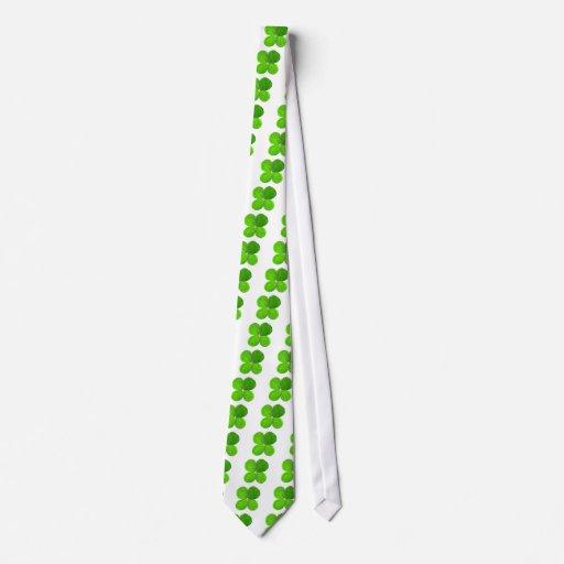 Trébol de cuatro hojas los regalos de Zazzle del M Corbatas Personalizadas