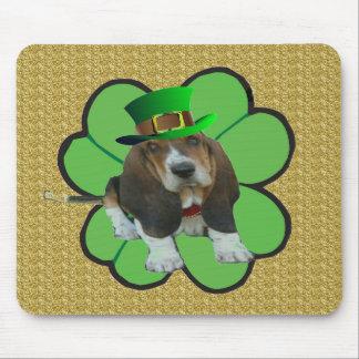 Trébol de Mousepad Basset Hound St Patrick feliz