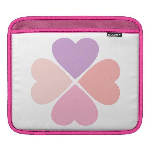 Trebol del amor de corazones rosa de San Valentín. Funda Para iPads