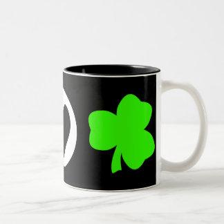 Trébol del amor de la paz taza de café