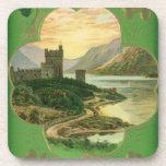 Trébol del castillo de los saludos del día del St. Posavasos De Bebidas