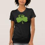 Trébol del pirata camiseta