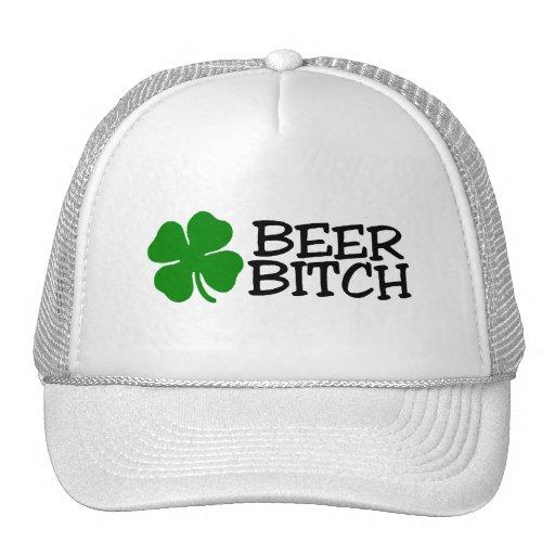 Trébol del verde de la perra de la cerveza gorro
